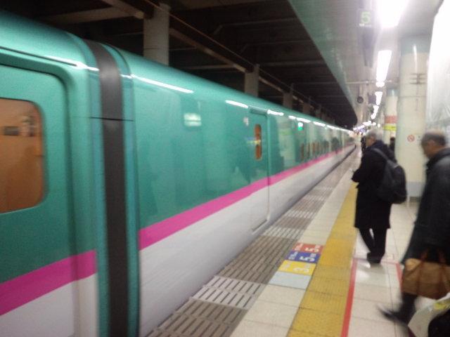 """今""""はやて""""で""""はやぶさ""""と同じE5系の新幹線に乗れる"""