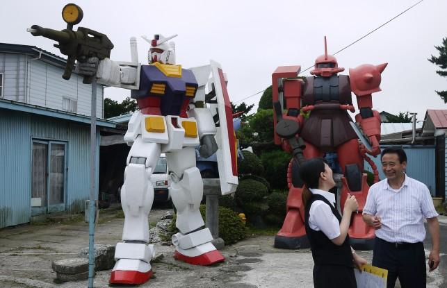 「鈴木さんの巨大ガンダム」@青森県おいらせ町