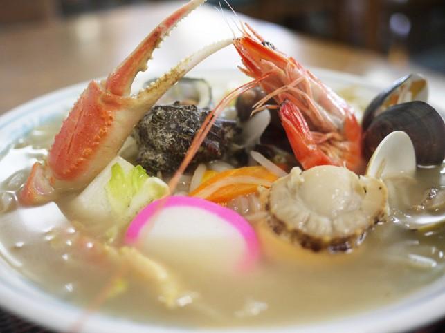 食事処、民宿の「なおじろう」でなおじろうちゃんぽん!
