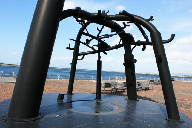 青い海公園~謎のオブジェ~