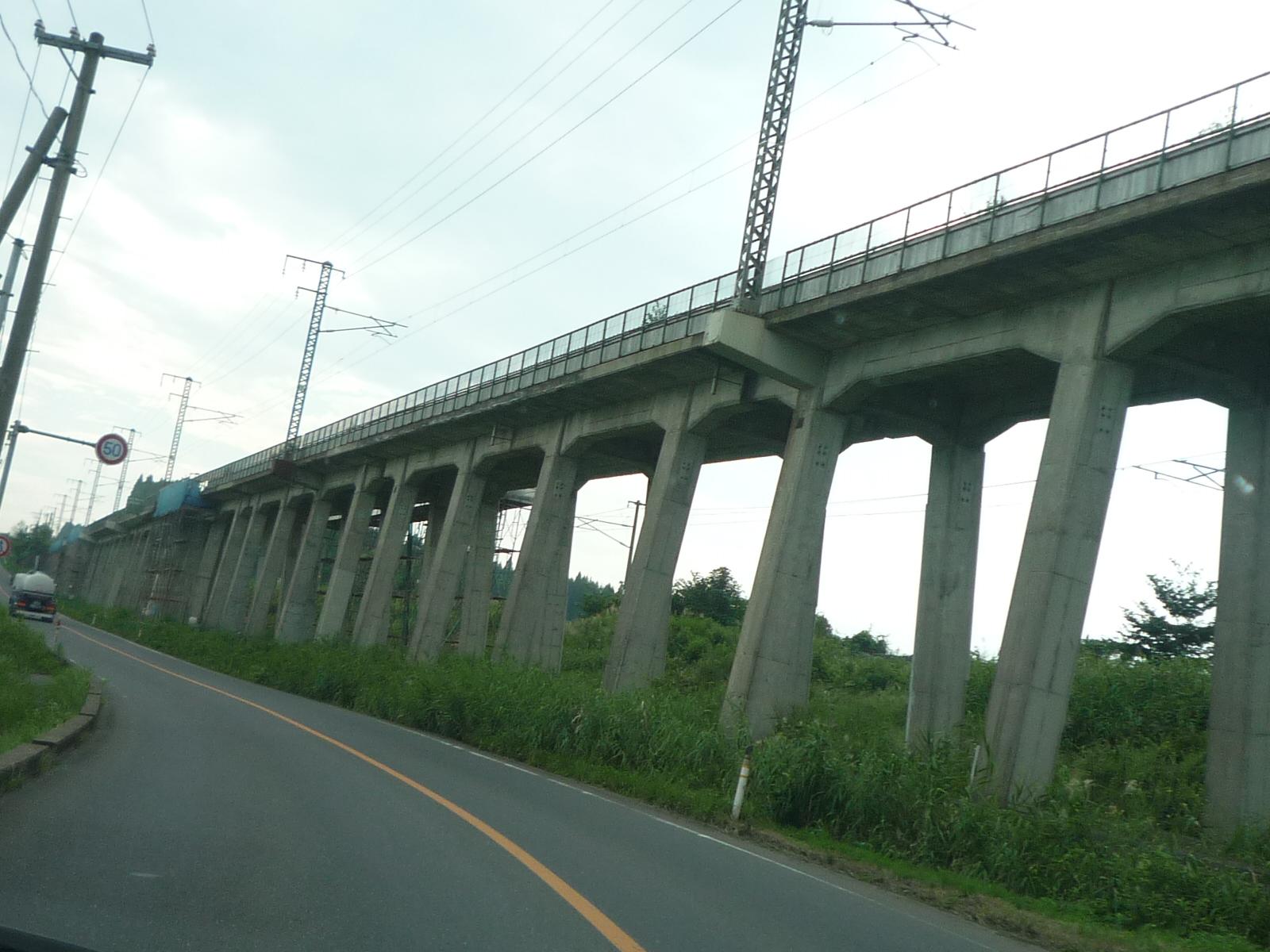 「昭和43年生まれの高架橋」