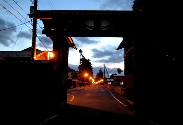 夜の禅林街を歩いてみよう!