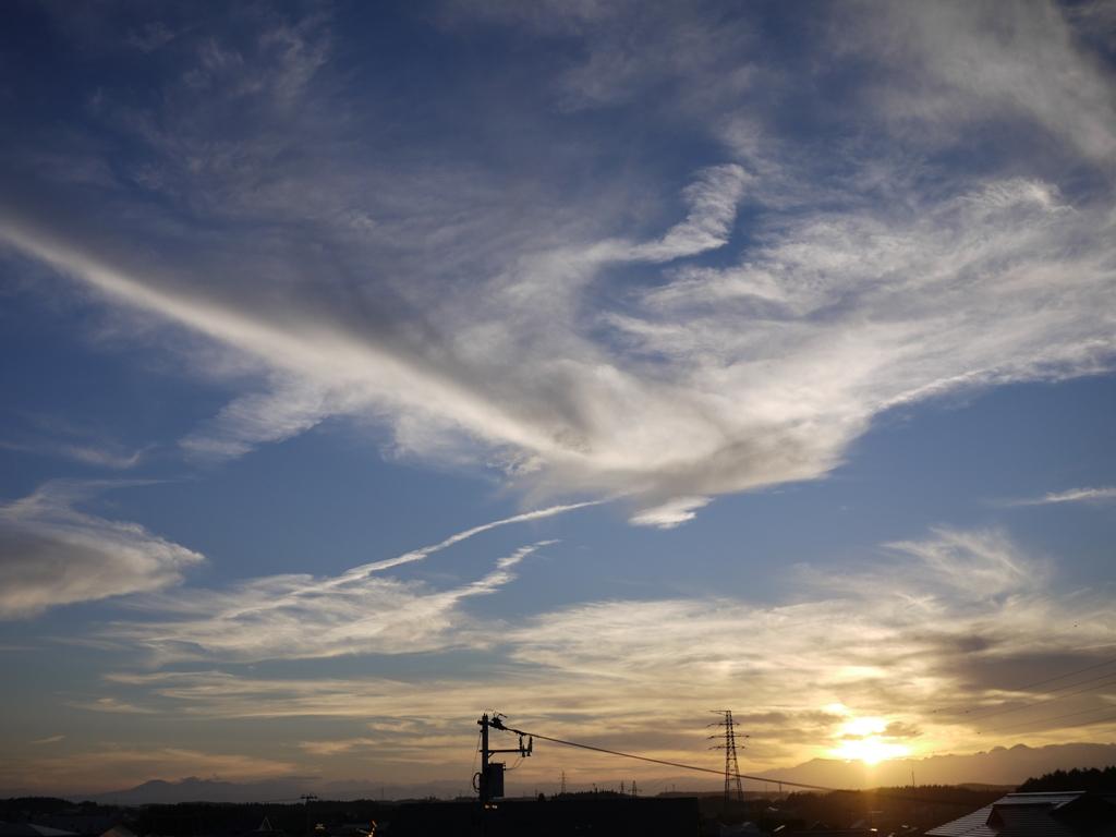青森 風景 秋 三八 三沢市 空 雲 夕陽 太陽 自然 神々し 鳳凰