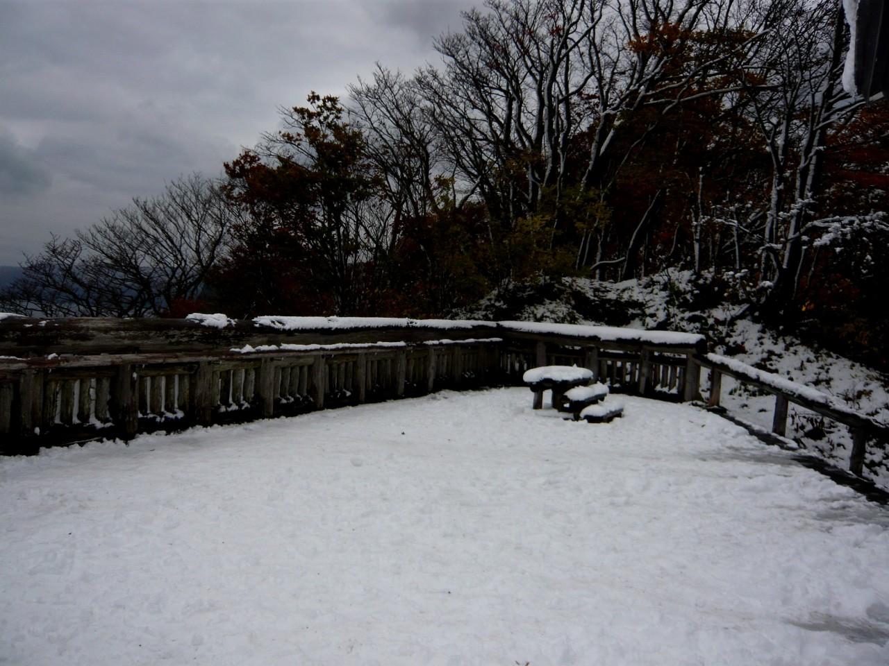 青森 風景 秋 冬 上北 十和田市 十和田湖 紅葉 雪 瞰湖台 展望台