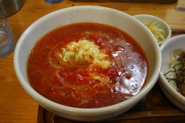 トマトとチーズらーめん1