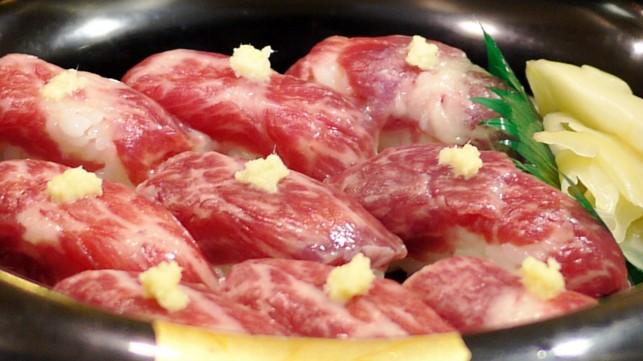 画像:霜降り馬刺し寿司1
