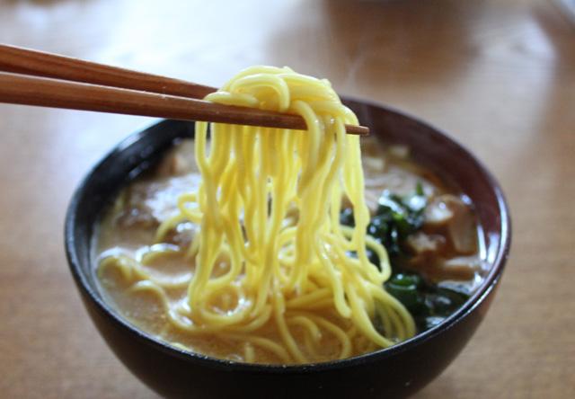 おうちで本格ラーメン(前編) @高砂食品「味噌カレー牛乳らぁめん」