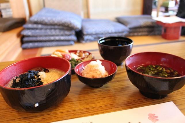 本当の「食育」とは・・・坐禅の後の精進料理体験~おいらせ町・南香山興雲寺~