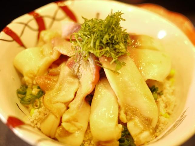 やわらかくて温かい ほっき丼~三沢市「鮨 大竹」~
