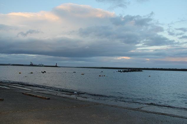 青森 風景 冬 下北 むつ市 大畑漁港 夕暮れ 海