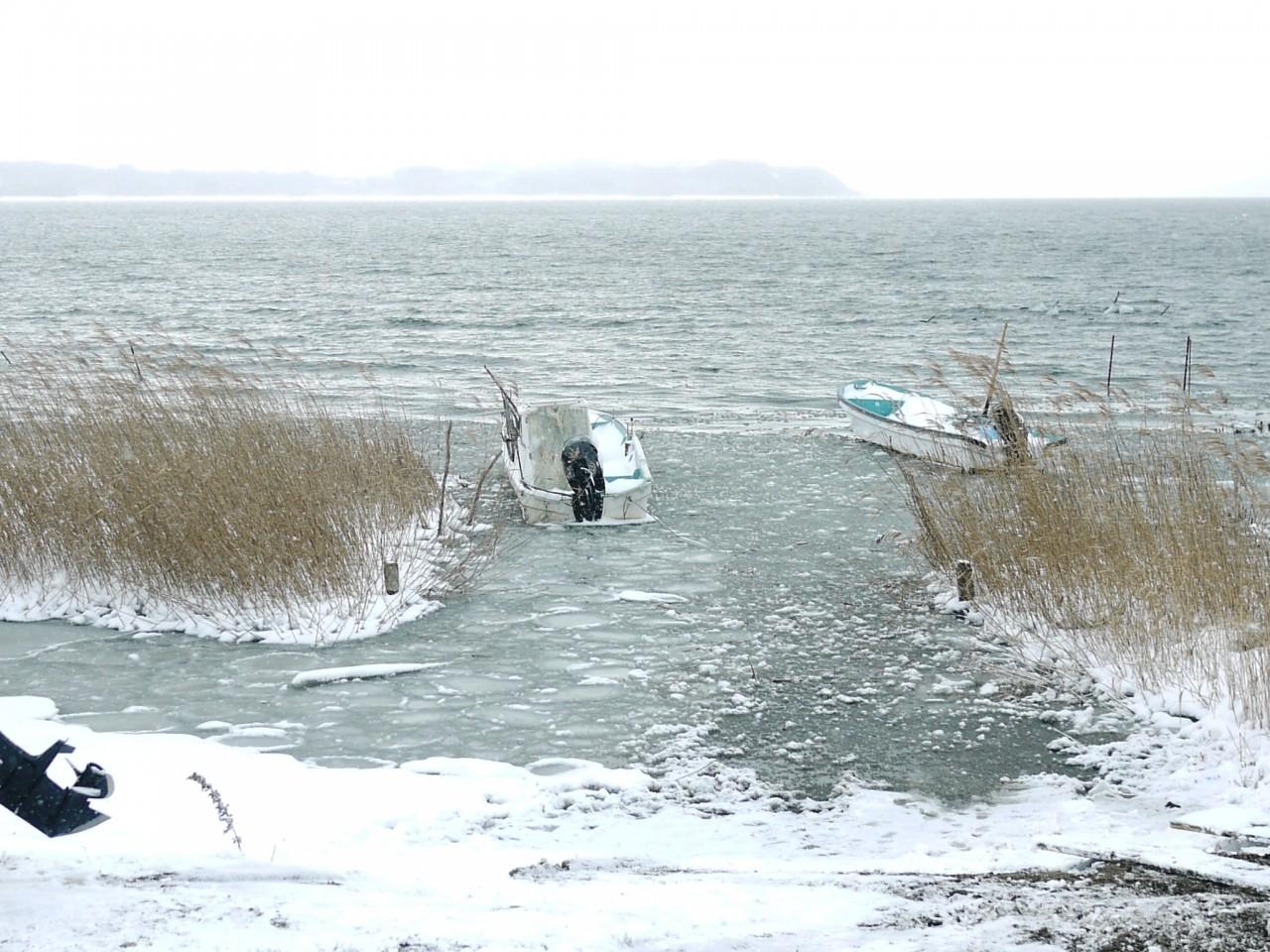 雪の小川原湖 in三沢市