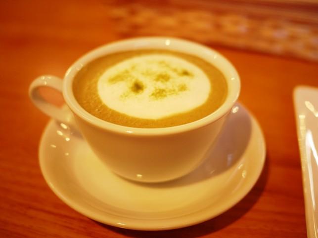 抹茶カフェラテを楽しみました~おいらせ町 cafeシェモア~