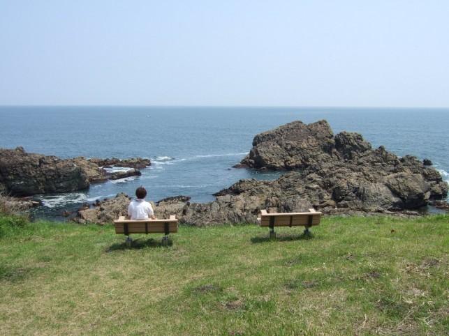 あの海岸の、あのベンチで。