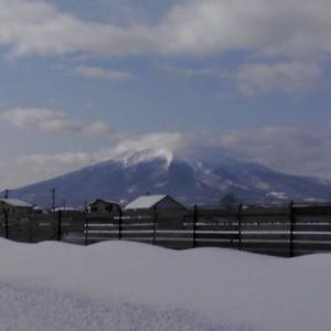 鶴田町からの写真です。10:10頃で雲がかかってましたが…携帯なので画質が悪いといったクレームは受け付けておりませんw(鶴田町)
