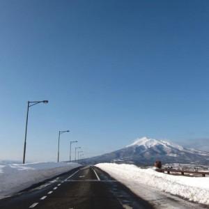 津軽りんご大橋と岩木山(板柳町)