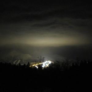 スキー場の明かりと岩木山。(鰺ケ沢町)