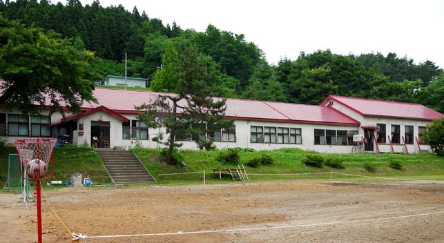 旧王余魚沢小学校校舎