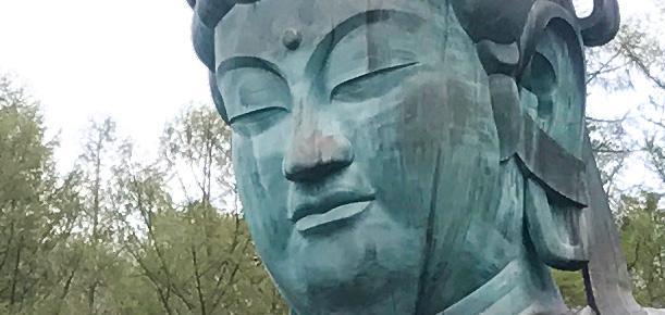五重塔と昭和大仏の青龍寺