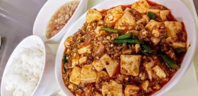 刺激的な辛さの麻婆豆腐を求めて三沢の陽悠倫(ひゆうりん)へ